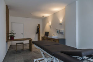 behandlungsraum im armona medical hotel in thiersee